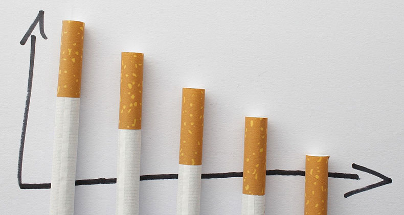 Comment arrêter de fumer efficacement et sans grossir ? Diagramme présentant une évolution vers la baisse de la consommation de cigarette.