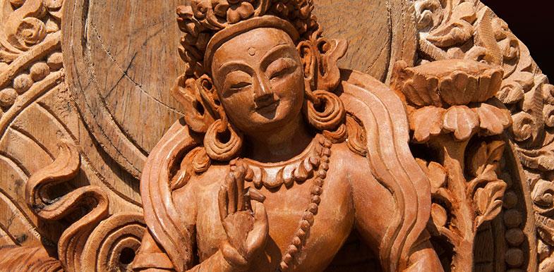 Sculpture sur bois d'une déésse Indienne