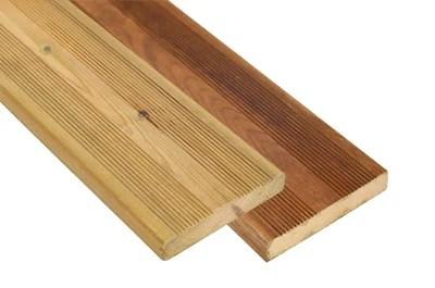 terrasse bois pin sylvestre traite vert ou brun