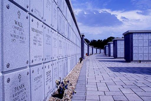 Florida_National_Cemetery_downsized