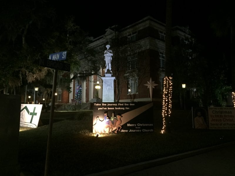 Brooksville's Christmas Card Lane