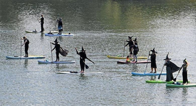 SUP paddling witches