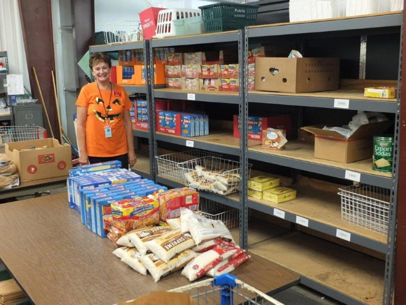 volunteer in pantry