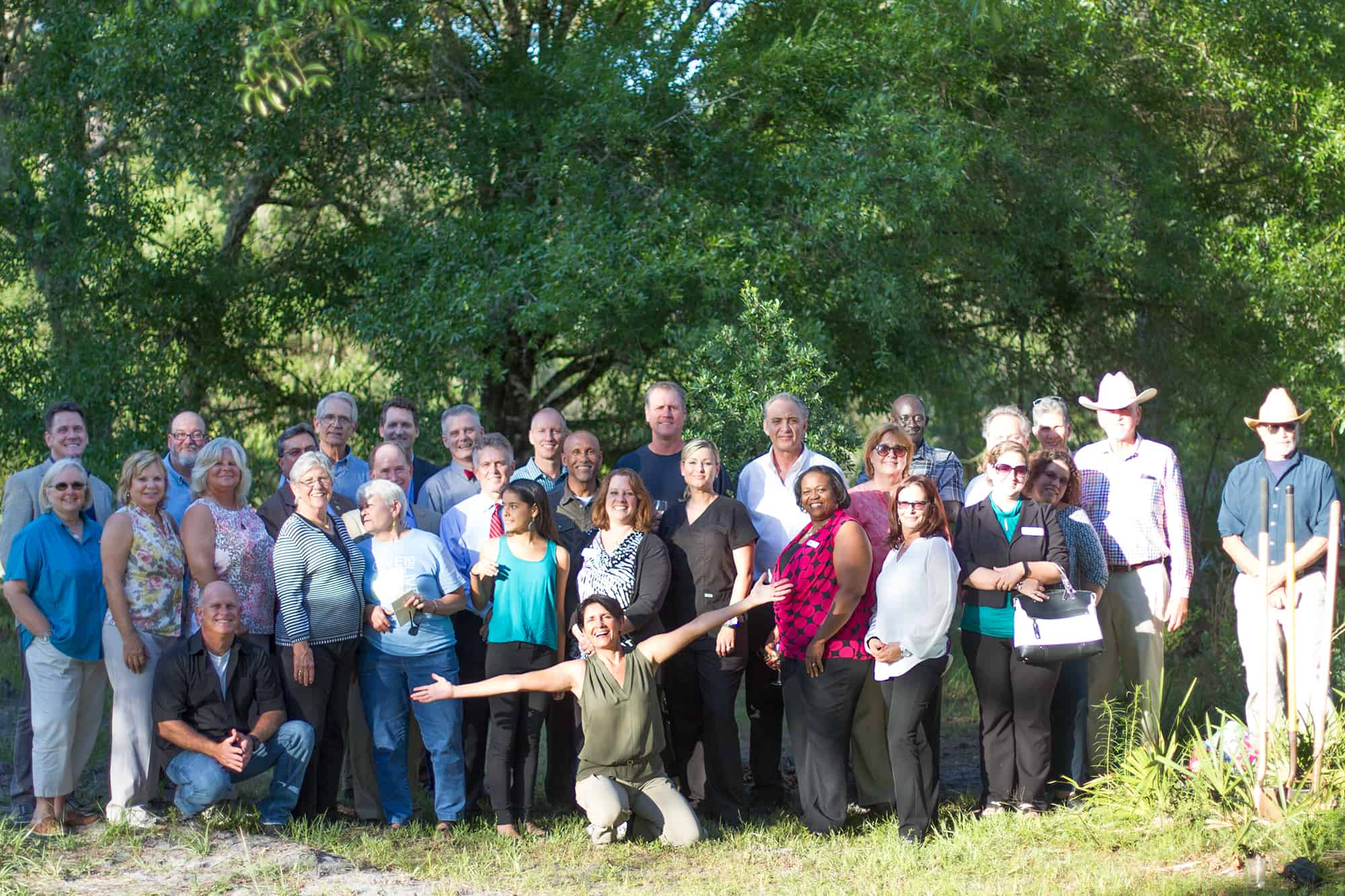 heartwood preserve opens - Group picture at ribbon cutting
