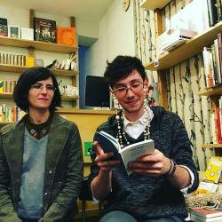 Si vous êtes sages, ce soir à 18h30 à la bibliothèque de Boitsfort, Camille Pier enfilera ses petites lunettes de Josie pour vous lire des morceaux croustillants de notre bouquin. Souvenirs de Tulitu. | Photo by Melanie Godin