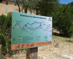 Panneau des sentiers de randonnée