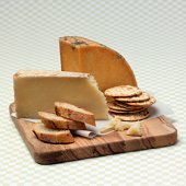 Organic Cheese and Crackers