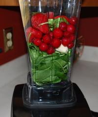 Vita-Mix 5200 making a green smoothie