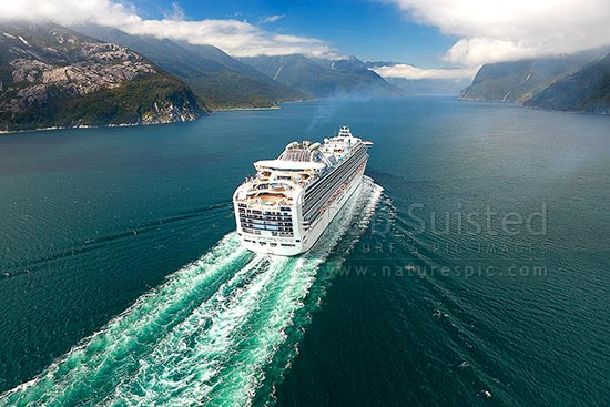 Cruise ship in Thompson Sound sailing towards Doubtful