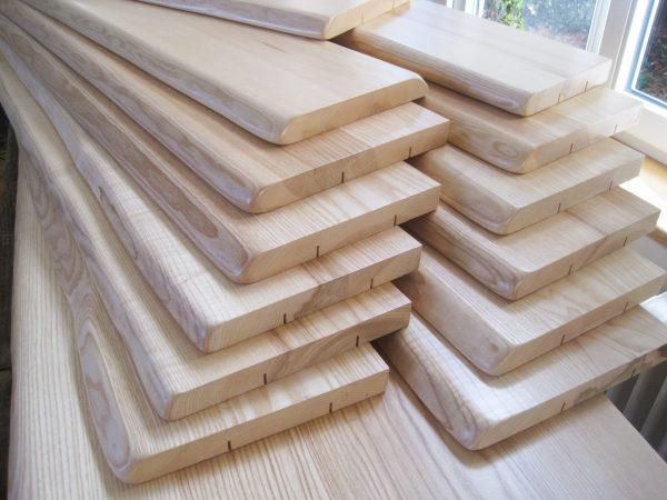 Esche Holzfensterbänke und Fensterbrätter, Holz mit natürlicher Baumkante resp. Naturkante