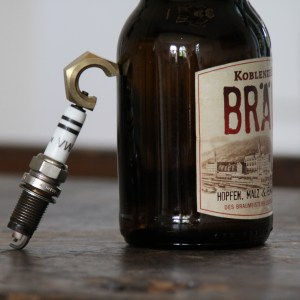 Flaschenöffner Zündkerze
