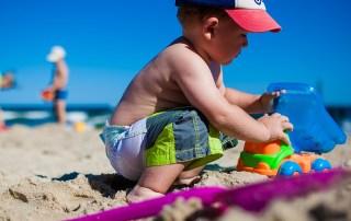 Ferie, ferieudenbørn, ferie uden børn, familieliv, familieiharmoni, forældre, forældreskab, forældrerådgiver, børn, børneopdragelse, barn, barndom, sommerferie