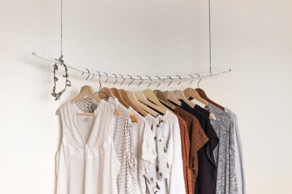 Kunne du hatt bare 33 klesplagg i klesskapet ditt?