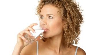 La necesidad de Beber Agua suficientemente