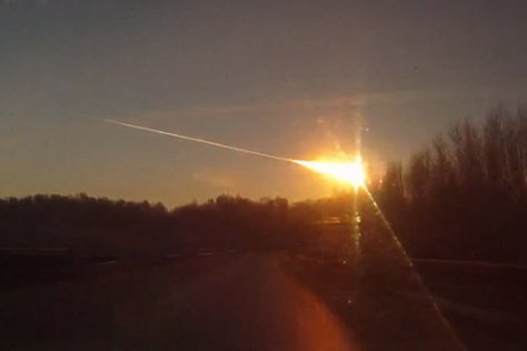 A CCTV picture showing the large fireball meteor fly-over Russia on 15 February 2013.