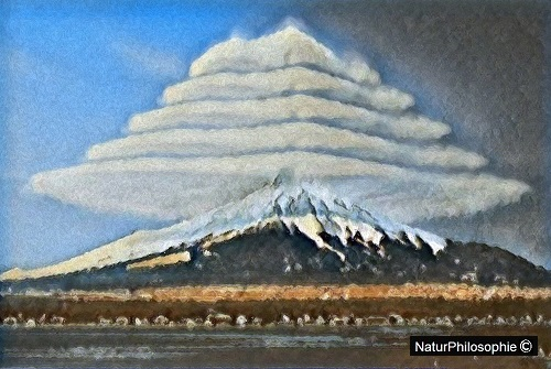 """An oil painting depicting """"pile d'assiettes"""" (or pile of plates) clouds over Mount Fuji in Japan. Artwork: NaturPhilosophie"""