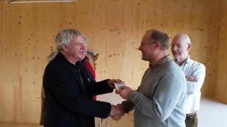overhandiging cheque Walry