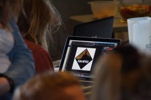 Rampens projekt var et nyt logo, som skal på stickers og bannere for at reklamere for ungdomshuset