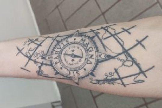 Tattoo Sic Parvis Magna (David Herrera)