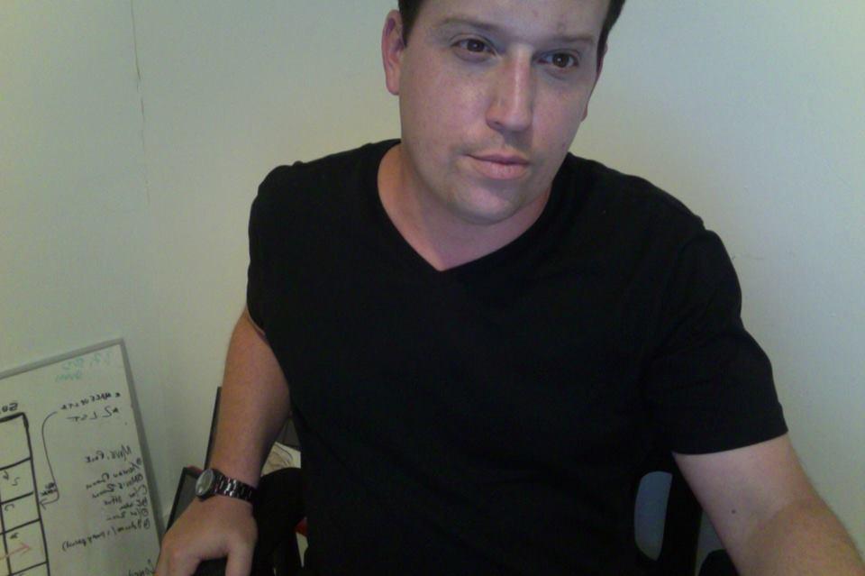 SCAMMER ALERT!  Producer Justin Lally Stiffs Porn Stars THOUSANDS $$$