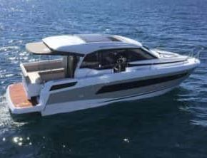 European-Power-Boat-of-the-Year-2018-Jeanneau-NC33