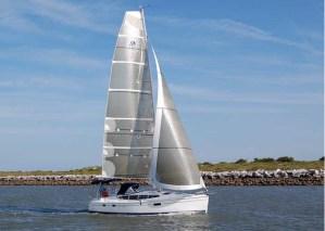 Hunter e36 Hybrid : Silence, on navigue !