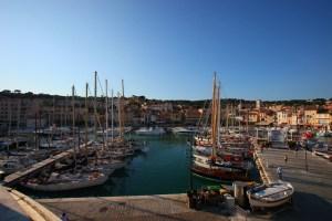 Le port Cassis accueille les voiliers classiques