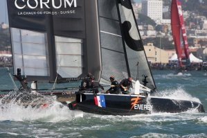 AC World Series: Collision d'ORACLE TEAM USA Coutts