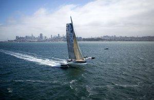 Tentative de record du Pacifique repoussée au printemps prochain pour l'Hydroptère DCNS