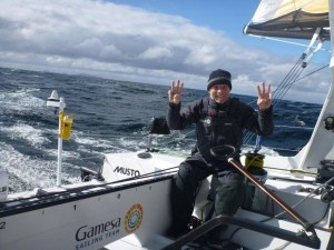 Vendée Globe : Mike Golding breaks records