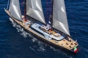Perini Navi SY Seahawk : 60m performance and comfort under sail