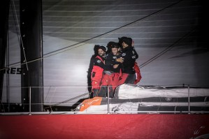 Volvo Ocean Race : From broken mast to first place…
