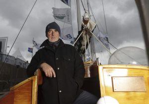 The Transat Bakerly : Loïck Peyron fait demi-tour à bord de Pen Duick II