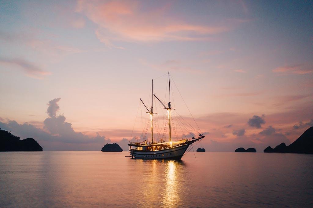 Senja-Boat