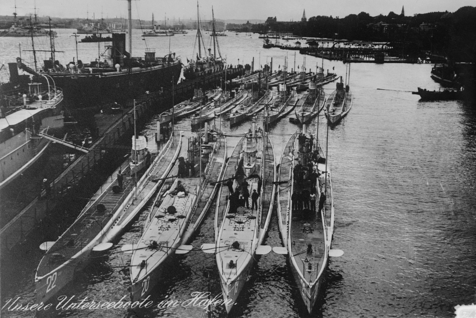hight resolution of u boats at kiel in 1914