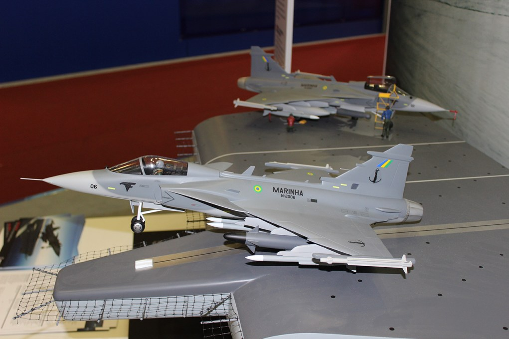 Sea Gripen da MB na LAAD 2015 - 1