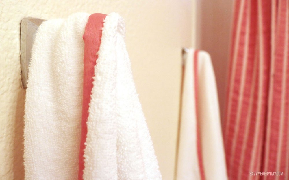coral banded bath towels