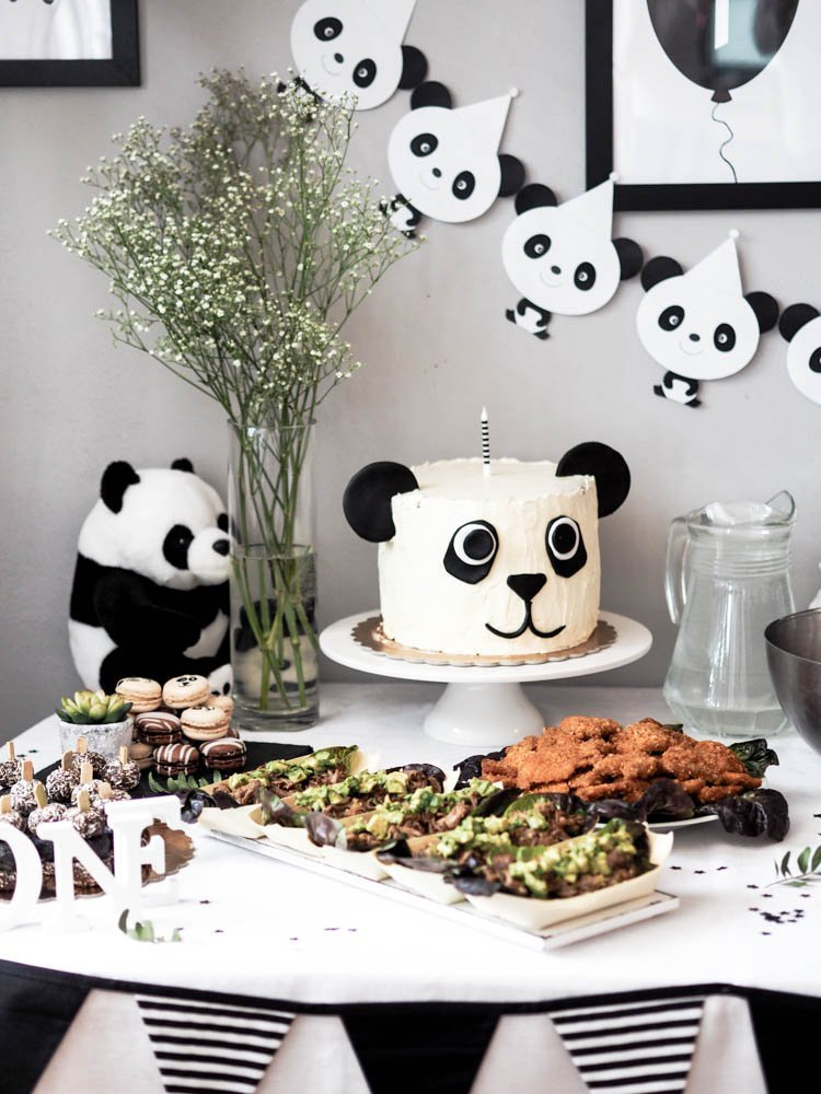 Panda birthday party food table