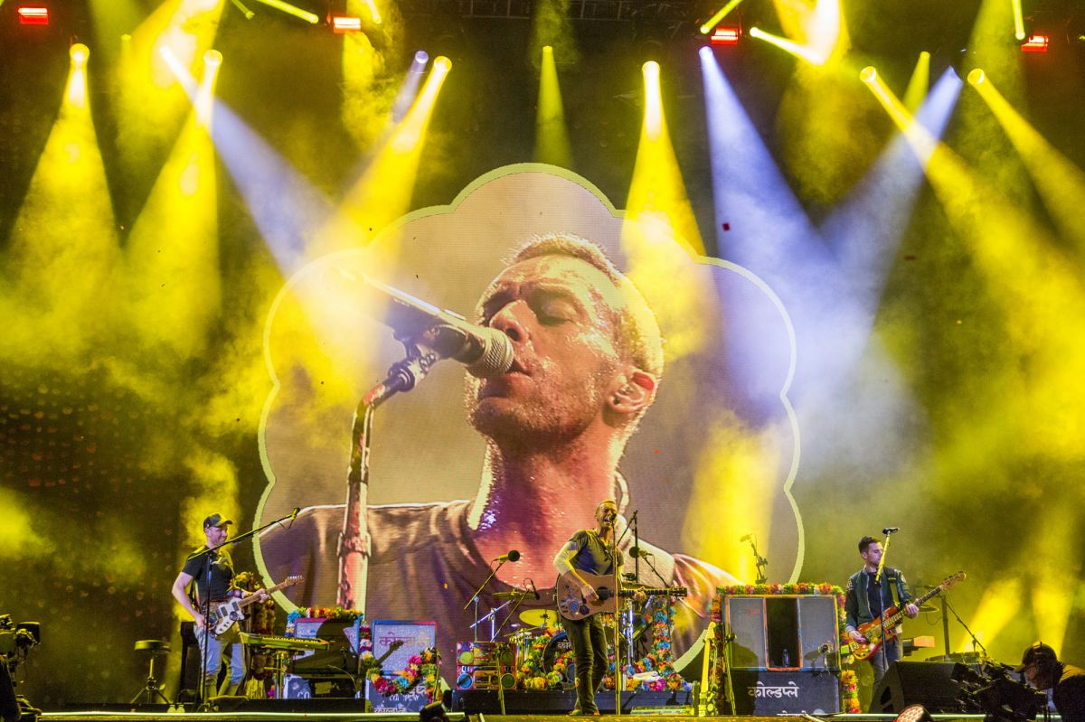 Coldplay-band-musicians-artists-7498.jpg