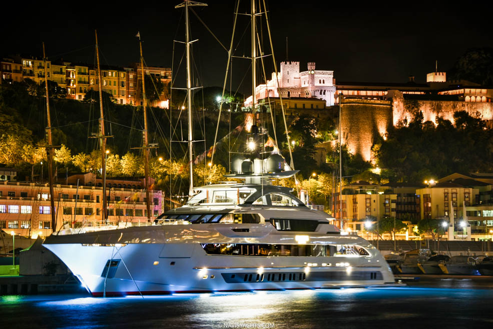 Superyacht Magazine NAVIS Luxury Yacht Magazine Official