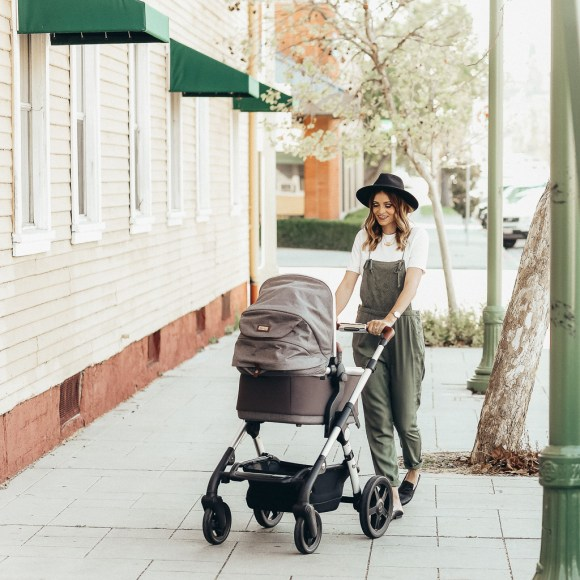 Stroller review featured by top US mom blog, Navy Grace: Silver Cross review