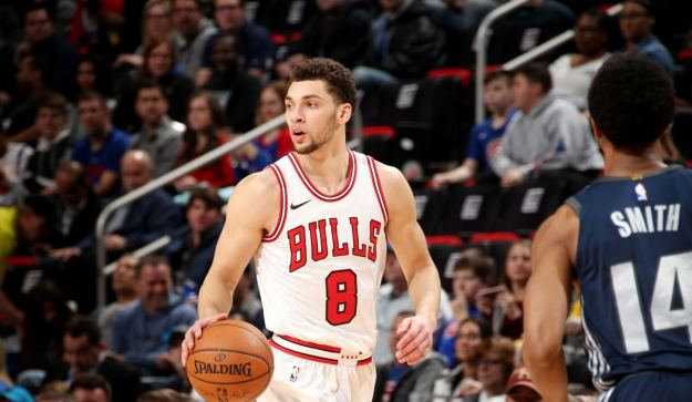 Zach LaVine #8 of the Chicago Bulls handles the ball during the game against the Detroit Pistons on MARCH 9, 2018