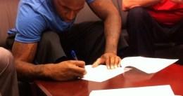 New York Knicks firma al hermano de JR Smith, Chris Smith
