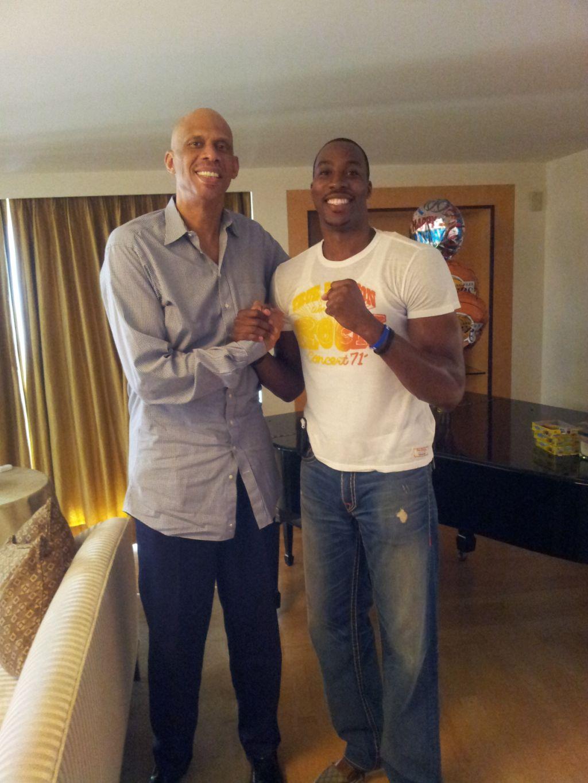 ¿Cuánto mide Dwight Howard? - Real height Kareem-y-Howard