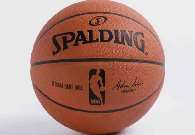 balon Spalding NBA Adam Silver