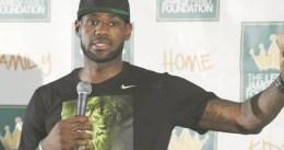 """LeBron James admite que firmó con Cleveland un contrato de """"negocios"""""""