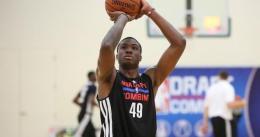 Thanasis Antetokounmpo perdona dinero para continuar ligado a los Knicks