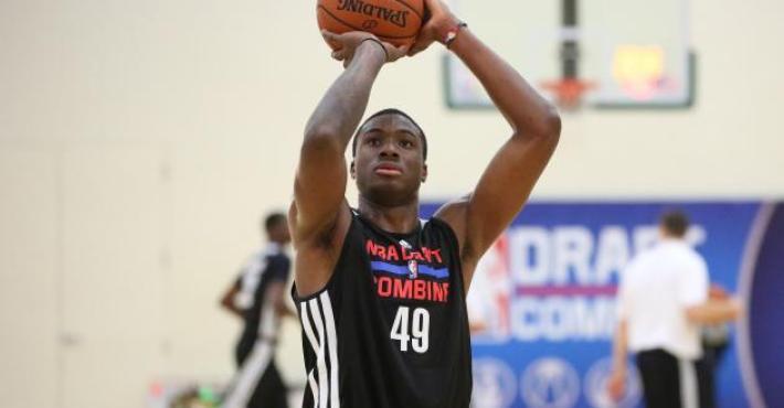 Los Knicks oficializan cinco despidos