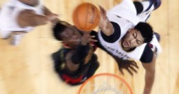 New Orleans gana a los Spurs en el retorno de Davis