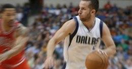 Dallas sorprende a los Raptors con 20 puntos de J.J. Barea